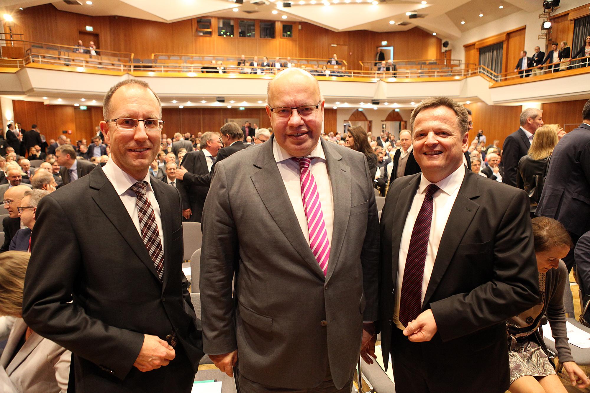 Markus Beier (Ltd. Geschäftsführer IHK Bezirkskammer Rems-Murr), Bundeswirtschaftsminister Peter Altmaier, Claus Paal, MdL (Präsident IHK Bezirkskammer Rems-Murr) [v.l.n.r.]