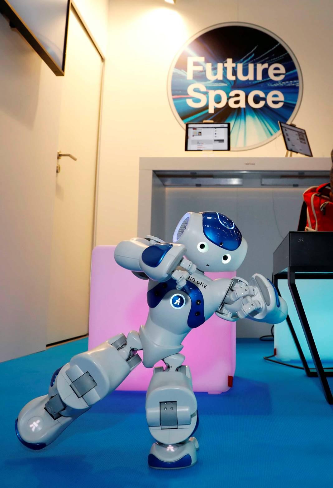 Future Space Robodance